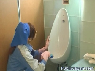 Sweethearts made to clean crapper with toung videos