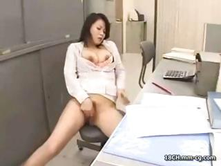 Short-haired brunette bimbo with big breasts loves hard cock